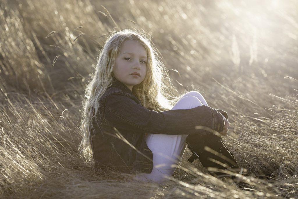 子供、悲しい、寂しい、子供の頃、記憶