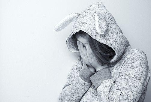 罪悪感、自分を責める、自己犠牲、疲れる、苦しい、悲しい、怒り