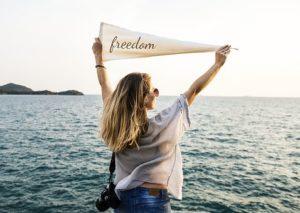 自由、解き放たれる