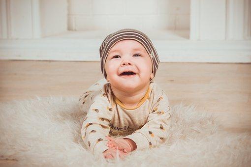 赤ちゃん、無邪気、無垢、幼い頃の記憶