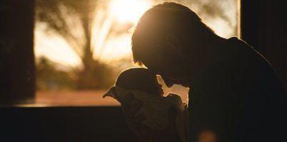 お父さんの愛、父の愛、お父さん、赤ちゃん