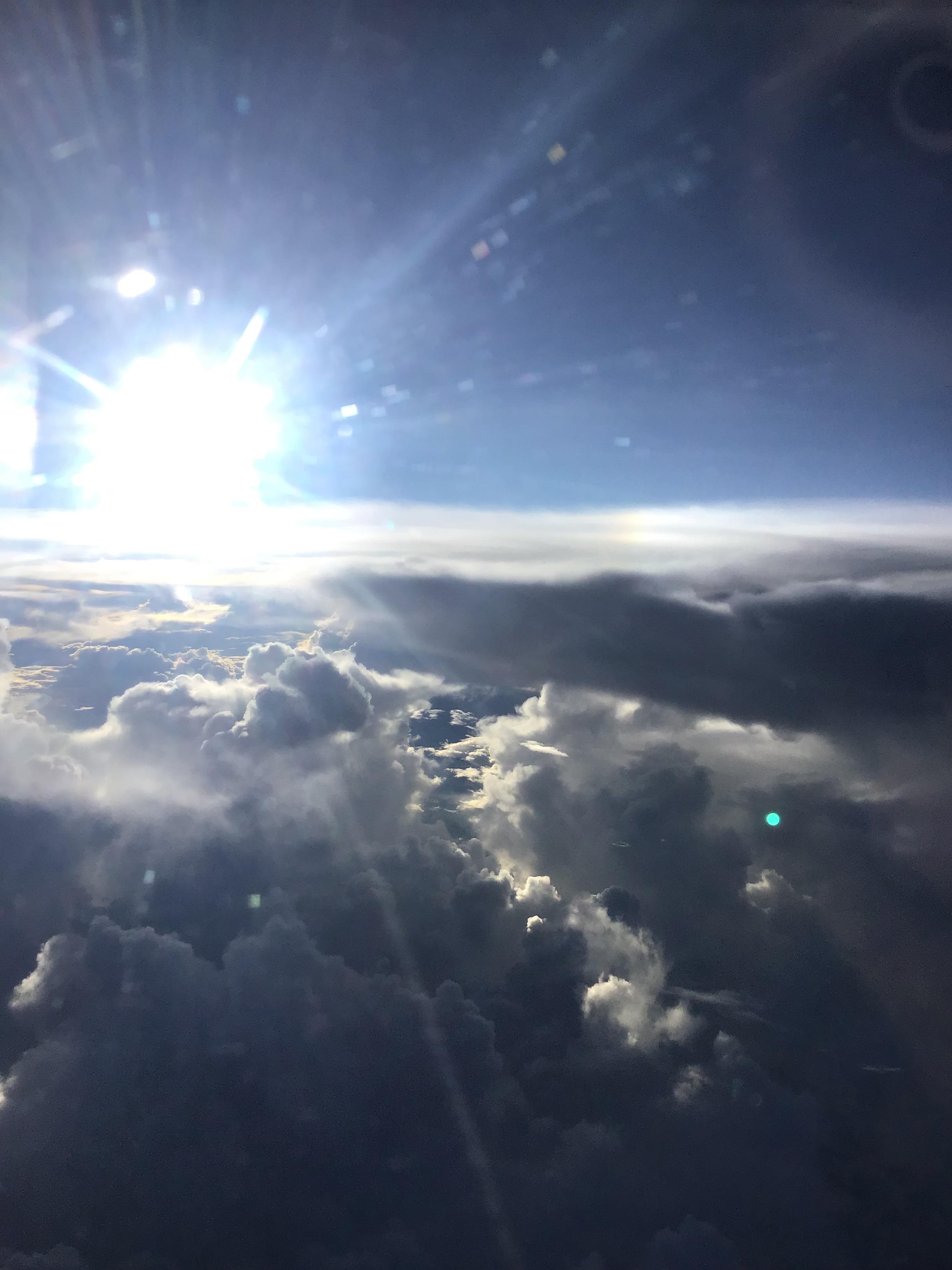 雲、雲の上、魂の行き着く場所、魂、安らぎ